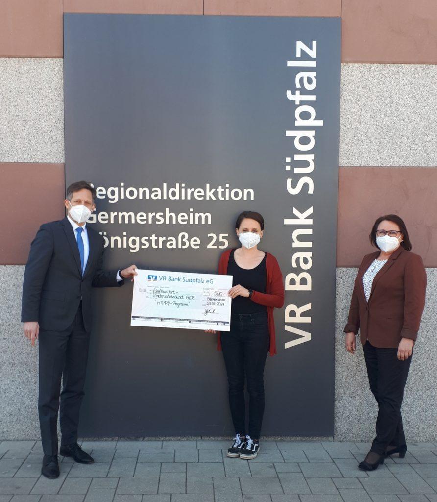 Spende von VR Bank Südpfalz an Kinderschutzbund Germersheim